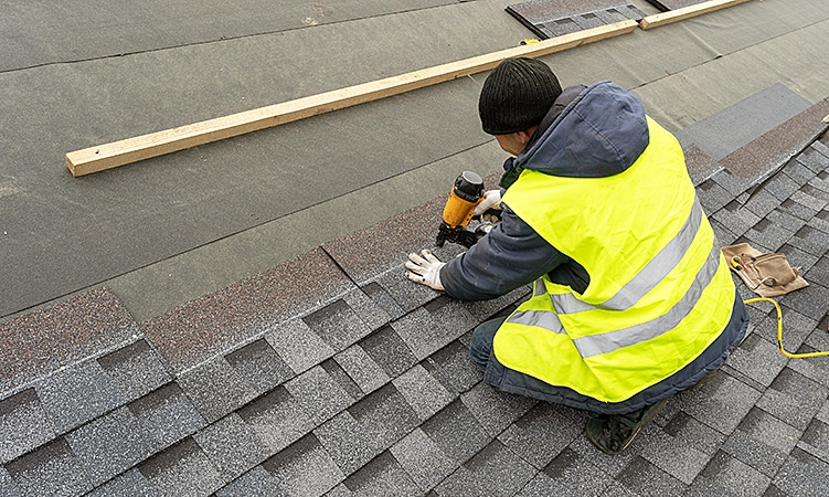 How to Choose the Right Roofing Contractor in Toronto